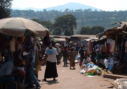 Butare_market_12_july_2005_1